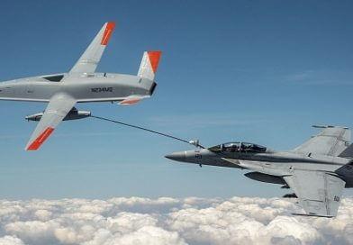 Drone Tanker Baru Angkatan Laut Mengisi Bahan Bakar Jet Tempur Super Hornet untuk Pertama Kalinya